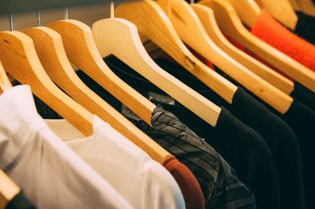 4 BENEFITS OF SWITCHING TO MICROFIBRE SHIRTS
